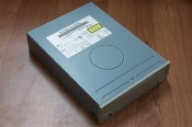 IBM 09N0879 IDE 18X-40X Internal CD-ROM Drive. 09N0878. Beige. Refurbished. CRD-8400B. 3850H-1166J. 5V, 1.5A/12V, 0.9A.