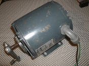 General Electric 5KH32DN24X, GE 5KH32DN24X. A-C Motor. Thermally Protected. Used. 1/6 HP, 60 Hz, 115 Volts, 1 Phase, 1725 RPM, Code R, 4.2 Amps. STK NO: H-157.