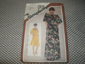 Simplicity 9844 Sewing Pattern. New. Medium. Size: 14-16. Miss. 5 Pieces. Misses' Jiffy Pullover Muu-Muu in Two Lenghts.