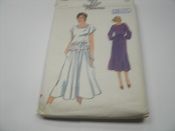 Vogue Patterns 7289. Size 12. Sewing Pattern. New. 10 Pieces. Misses' Dress or Top, Skirt and Belt.