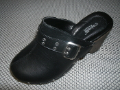 Capelli New York FSH-2477 Faux Leather Clog With Buckle Strap. Black. US Size 9. UK 7, EUR 40. 885998406207. FSH2477.