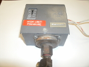 Honeywell Pressuretrol PA404A 1066. Used. High Limit Pressure. 2 Wire.