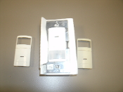 Leviton IPV0R-1LZ Sensor Remote Manual-ON, Auto-OFF for IPS15 or IPV15 Sensor. W-I-LA. 120VAC/CA. 078477570760. 2 Faceplates. Ivory and Light Ivory.